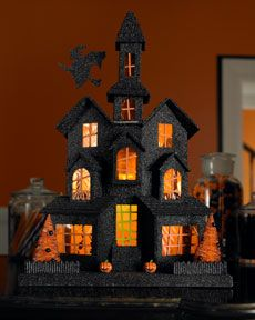 Halloween haunted house displays: fr/shoe/tissue boxes, orange tissue paper windows, lights with inexp, open back Retro Halloween, Halloween Town, Image Halloween, Halloween Haunted Houses, Halloween Projects, Holidays Halloween, Halloween Decorations, Halloween Ideas, Haunted Tree
