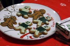 Zombie Gingerbread Cookies (Pic Heavy) - COOKING holiday gifts and baking for coworkers, parties and groups on Craftster.org