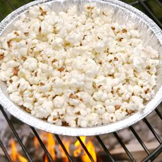 Popping popcorn over a campfire is just as easy as making it on the stove and way more fun. Get your favorite seasonings and an easy summer cocktail and watch a movie outside! Get the recipe at Delish Easy Summer Cocktails, Easy Summer Meals, Easy Meals, Healthy Meals, Campfire Food, Easy Campfire Meals, Campfire Breakfast, Picnic, Snacks