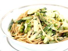 Smagen af sommer | Spaghetti med asparges og ærter | foodfanatics opskrifter