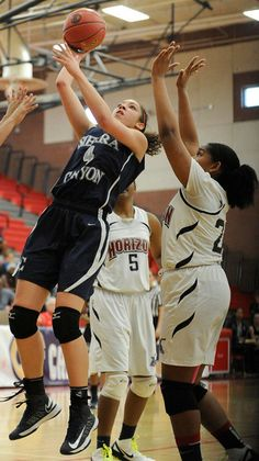 Sierra #4 Cheyanne Wallace goes up for a shot in the first half against Horizon Christian in the Div. V regional final
