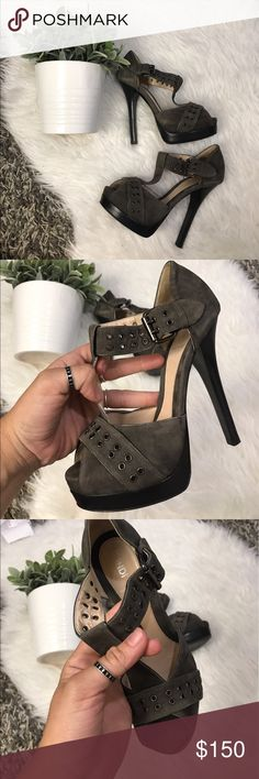FENDI PERFORATED LEATHER SZ 6 or 36 HEELS SHOES 5.5 inch heels , 100% authentic FENDI heels Fendi Shoes