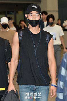 160802 SHINee Minho - Incheon International Airport from Texas