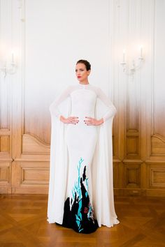 Stephane Rolland | Fall 2014 Couture | 21 White printed cape maxi dress (front)
