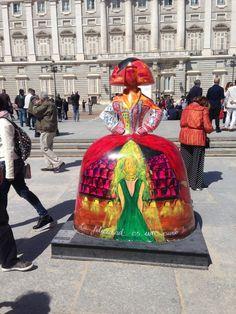 #MeninasMadrid Diego Velazquez, Spanish Courses, Arte Country, Madrid, Art Projects, Street Art, Vibrant, Gallery, Sculpture