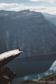 The Trolltunga Hike: Have you ever thought about hiking the 22km to Trolltunga? Check out our post and see what you can expect! Travel & Photography | All the places you will go