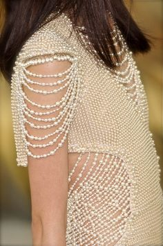 Meereenese pearl wedding gown for Daenerys, the more pearls worn by the bride the more fertile she will be, Chanel