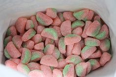 Watermelon Sour Patch Kids---the best candy of all time! Sour Patch Watermelon, Watermelon Slices, Best Candy, Favorite Candy, Gourmet Recipes, Dog Food Recipes, Baking Recipes, Yummy Treats, Yummy Food