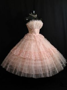 Vintage 1950's 50s STRAPLESS PINK Tiered Lace Tulle Prom Wedding DRESS