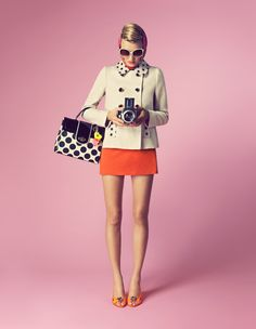 Want those legs!!!...and if they come with the purse, even better : )