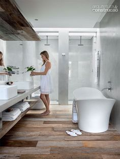 rustic floor & lower shelf blended with modern bathroom