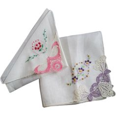 Vintage 1940s Hanky Hankie Floral Embroidery Lace Lot 2 http://www.rubylane.com/item/676693-CLL123/Vintage-1940s-Hanky-Hankie-Floral-Embroidery