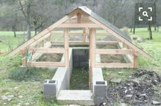 My Shed Plans - Shed Plans - Afficher limage dorigine Now You Can Build ANY Shed In A Weekend Even If Youve Zero Woodworking Experience! Now You Can Build ANY Shed In A Weekend Even If You've Zero Woodworking Experience! Greenhouse Plans, Greenhouse Gardening, Simple Greenhouse, Design Jardin, Garden Design, Underground Greenhouse, Diy Storage Shed, Building A Shed, Garden Structures
