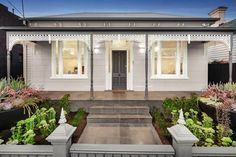 Pro-looking exterior paint job at 1 Bowen Street, Hawthorn, for sale on Domain. Exterior Paint Combinations, House Exterior Color Schemes, House Paint Exterior, Exterior Paint Colors, Paint Colours, Facade House, House Roof, Farm House, Decking Colours Ideas