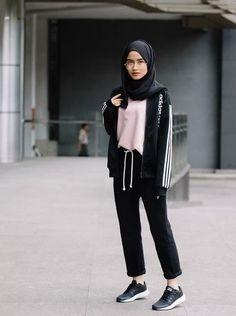cute hijab school outfits for muslim teen girls casual hijab outfit, ootd hijab Modern Hijab Fashion, Street Hijab Fashion, Muslim Fashion, Teen Fashion, Fashion Outfits, School Fashion, Fashion Black, Fashion Clothes, Fashion Ideas