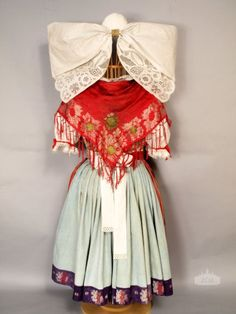 back view of a women's folk costume from the Plzeňsko region of the Czech Republic Bohemian Costume, Folk Costume, Costumes, Headdress, Folk Art, Culture, Clothes, Google Search, Czech Republic