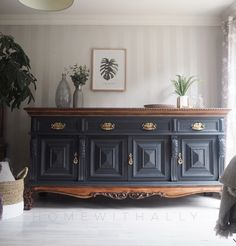 Very Large Antique Mahogany Sideboard In Black / Wood Mahogany Sideboard, Black Sideboard, Painted Sideboard, Mahogany Furniture, Large Sideboard, Antique Sideboard, Refurbished Furniture, Paint Furniture, Repurposed Furniture