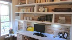 Le bureau de Lynda Johnson Home Office Space, Small Office, Marble Desk, Rustic Basement, My Workspace, Basement Remodeling, Wooden Walls, Decoration, Interior Architecture