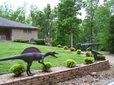 I really really want yard dinosaurs! How many funny looks would this cause living right on the highway lol