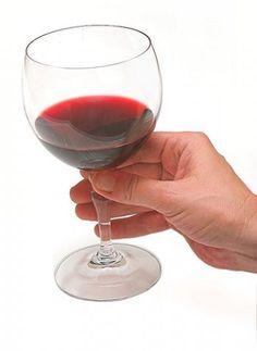 Pitacos Culinários . . .: Como segurar corretamente um copo de vinho