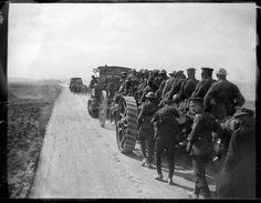 26 de marzo de 1918. ¡Los boches avanzan, los ingleses en desbandada! (nota manuscrita del autor sobre el negativo de vidrio), por Pierre-Antoine Givord.