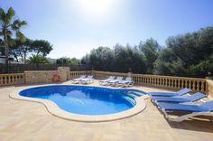 villa-marta-swimmingpool