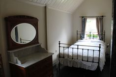 slaapkamer met coiffeuse