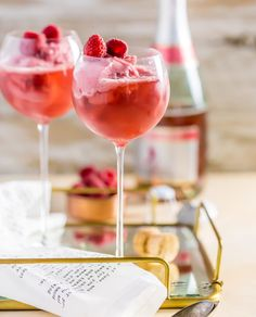 Pink Champagne Floats are the perfect Valentine's Day cocktails and dessert all in one! This fun treat is the same as a regular float, but it's made with pink champagne and raspberry sorbet for something Valentine's Day Drinks, Cocktail Drinks, Yummy Drinks, Cocktail Recipes, Beverages, Pink Cocktails, Festive Cocktails, Wine Ice Cream, Ice Cream Floats