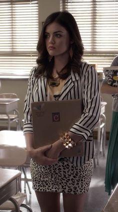 Another look at one of my favorite Aria outfits. Those stud bracelets are so my style!