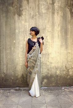 Pair a sleeveless top with a saree for a comfortable but stylish work outfit. India Fashion, Ethnic Fashion, Asian Fashion, Indian Look, Indian Ethnic Wear, Indian Dresses, Indian Outfits, Collection Eid, Saree Photoshoot