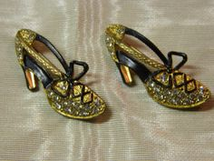 Vintage golden enamel and rhinestone shoe pins by MantzArt on Etsy, $22.00 #vintage #jewelry #boebot #shopetsy