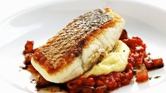 Seafood Recipes, Cooking Recipes, Green Cafe, Great British Chefs, Sous Vide, Fish Dishes, Fish And Seafood, Deli, Tapas