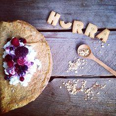 Sunne pannekaker Camembert Cheese, Pancakes, Breakfast, Healthy, Food, Morning Coffee, Essen, Pancake, Meals