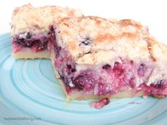 A shortbread base is topped with a creamy blackberry layer and then a streusel top in these Blackberry Pie Bars that you will go crazy for!