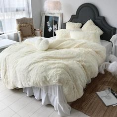 SOFO Coral Fleece Shearling Bedding Set Quilt Cover Bed Sheet Warm Mink Cashmere Cover Pillowcase is hot sale on Newchic with discounts. Velvet Bedding Sets, Fur Bedding, Velvet Duvet, Luxury Bedding, Cream Bedding, Comforter Sets, Bed Sets, New Room, Duvet Cover Sets