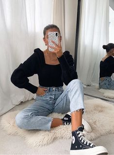 90s Fashion, Girl Fashion, Fashion Outfits, Womens Fashion, How To Pose, Teen Vogue, Aesthetic Fashion, Aesthetic Images, Outfit Posts
