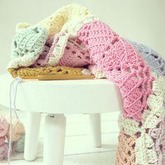 Crochet blanket in pastels * work in progress