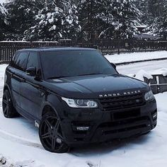 Baby it's cold outside  : @rangeroverusa . ❌❌❌❌❌❌❌ #ferrari #lamborghini #luxury #mclaren #f4f #rangerover #love #aventador #followme  #nonitroneeded #supercar #picoftheday #carporn #cars #gtr #follow4follow #followforfollow #porsche #kimkardashian #like4like #car #like #suv #amg #bearautomotive . ❌❌❌❌❌❌❌ Please use our hashtag #onlyrangerovers for likes and possible features! Please be active on my account, comment and like!