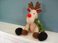 Fleece Menagerie: Reindeer Funky Friends Factory pattern- want to see if I can modify this into a moose!