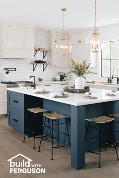 Kitchen Redo, Home Decor Kitchen, Kitchen Living, New Kitchen, Home Kitchens, Kitchen Remodel, Eat At Kitchen Island, Luxury Kitchens, Kitchen Ideas