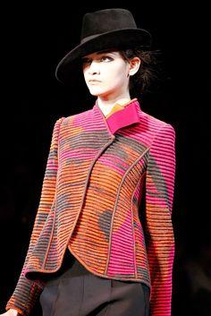 bff4c9c75b2 Giorgio Armani Fall 2012 Ready-to-Wear Fashion Show