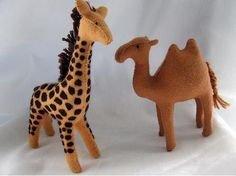 Felt animals - Image only Sewing Stuffed Animals, Stuffed Toys Patterns, Fabric Toys, Felt Fabric, Safari Animals, Felt Animals, Felt Diy, Felt Crafts, Puppets For Kids
