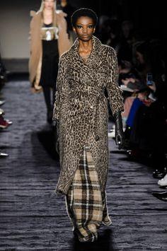 Défilé Max Mara automne-hiver 2018-2019 Prêt-à-porter - Madame Figaro