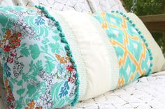 Free Spirit Patchwork-Kissen by stitchydoo // patchwork pillow // cushion with selfmade crochet edging // quilting