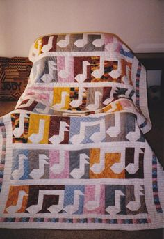 Music  Check out the musical notes quilt by Craftsy member Jody Bizzle! She made this music-inspired quilt for a school fund-raiser. There was no pattern used, she made it up as she went.