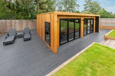 luxury Garden room x Home Gym Backyard Office, Backyard House, Backyard Sheds, Backyard Patio Designs, Dream Home Gym, Gym Room At Home, Outdoor Gym, Outdoor Rooms, Crossfit Home Gym