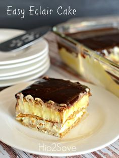 Easy Graham Cracker Eclair Cake Recipe Easy and great, that's how I'll describe this recipe. Easy Graham cracker eclair cake, really delicious and perfect! Oh yes you'll be surprised from your cooking skills. Mini Desserts, No Bake Desserts, Easy Desserts, Delicious Desserts, Dessert Recipes, Yummy Food, French Desserts, Plated Desserts, Bon Dessert