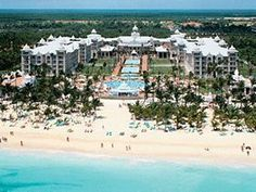 Riu Palace Punta Cana - All Inclusive. The resort Aron and I will be staying at😍💕🍹 Riu Palace Punta Cana, Punta Cana All Inclusive, Punta Cana Vacations, Punta Cana Hotels, Resort All Inclusive, Beach Resorts, Vacation Resorts, Hotel Punta, Vacation Places