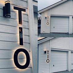 """www.fasaddekor.se på Instagram: """"Fantastiskt fina kundbilder från Annika som har utsmyckat nya villan med våra LED-husnummer! Välkomna till oss på www.fasaddekor.se och få…"""""""