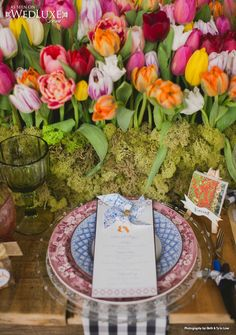 WedLuxe: From tulips to the paintings of Van Gogh, Holland-inspired #wedding ideas